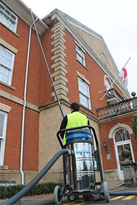 Skyvac Gutter cleaning equipment